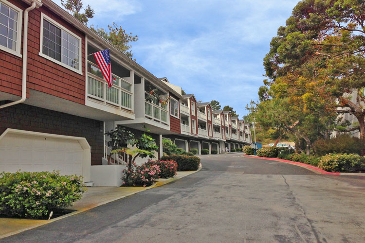 Pacific Terrace Condos | Dana Point Real Estate