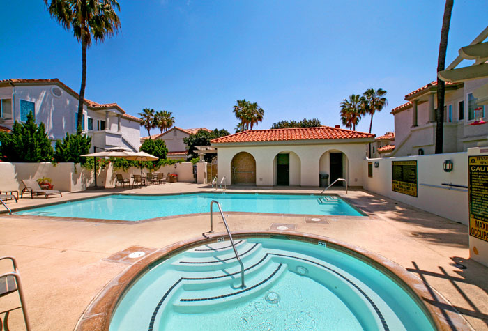 Tennis Villas Community Pool | Dana Point Real Estate